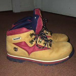 Timberland Shoes - Women's size 6 Timberland Boots